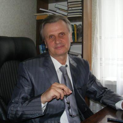 Десятник  Володимир  Олексійович